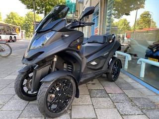 Quadro vehicles QV4